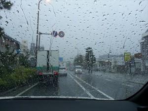 台風通過中・・・