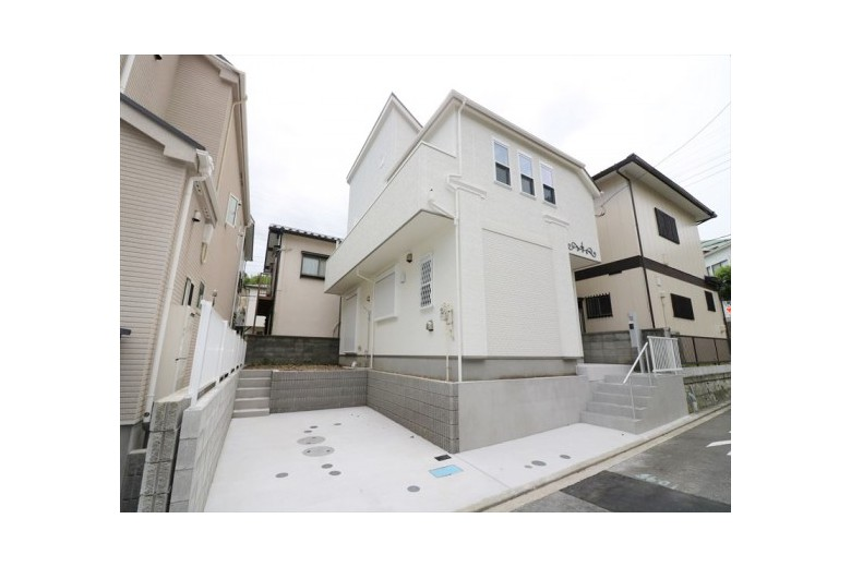 Brand New House in Kikoba!? (Hayama Houese)